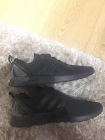 Men's size 10 adidas originals trainers worn once!!!