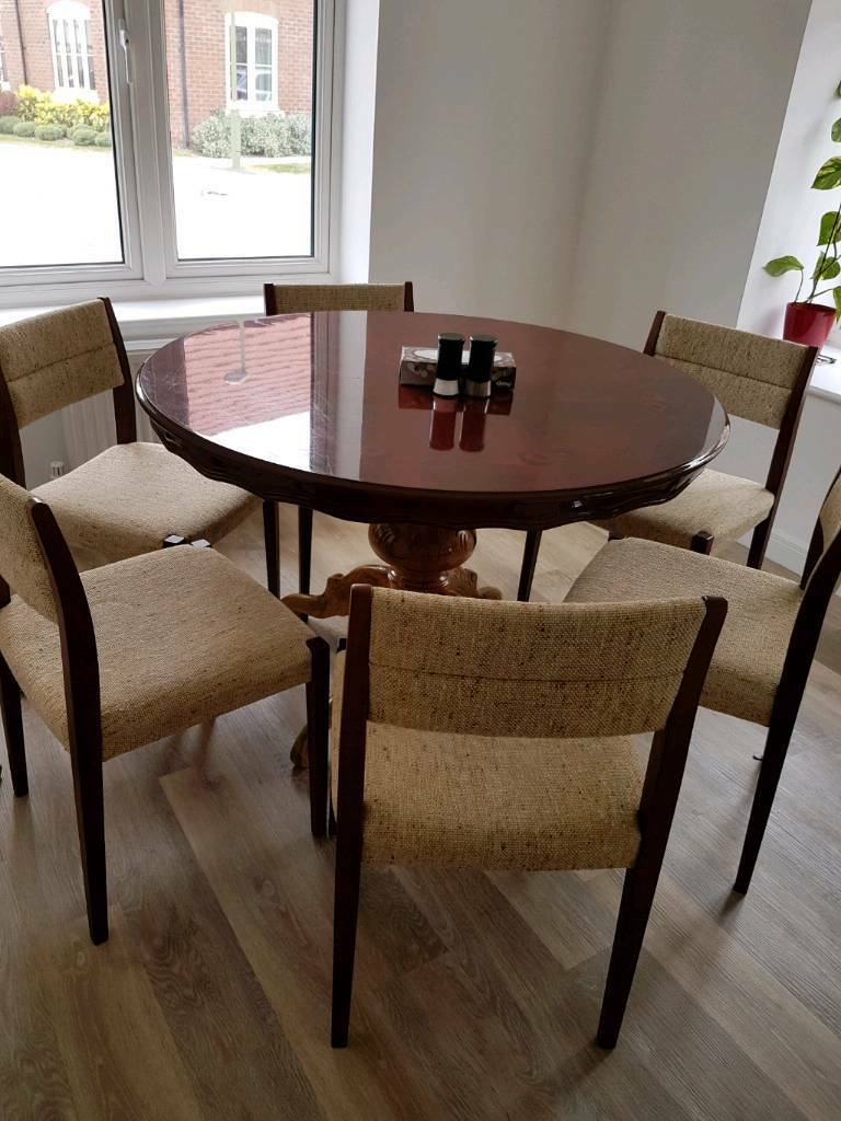 VintageRound Dinning Table With 6 Chairs