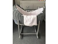 White and grey brand new wafel Moses basket