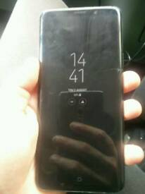 Galaxy s9 plus small crack