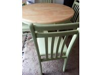 SHABBY CHIC ROUND FARMHOUSE TABLE & CHAIRS.