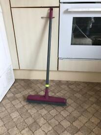 Extendable Rubber Broom