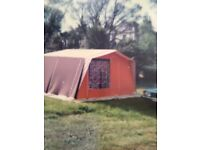 6 berth frame tent with accessories gas burner, light and other items
