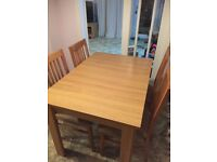 Harvey's Hampshire extendable table and 4 chairs
