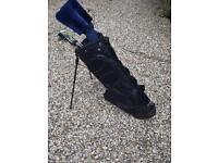 Ladies golf clubs with nice lite bag and stand