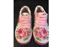 Lelli Kelly's girls shoes size 24 (6.5)