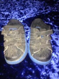 Adidas infant trainers size 4