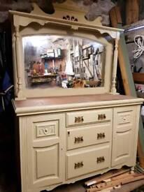 Stunning sideboard/ dresser