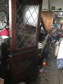 Jaycee solid dark oak corner unit leaded glass front