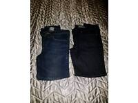 2 new pairs of men's jeans