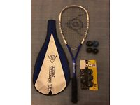 Dunlop Max Comp Ti squash racquet with 7 balls