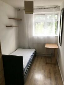 SINGLE ROOM NEAR CANARY WHARF/ CROSSHARBOUR DLR. MUST SEE!