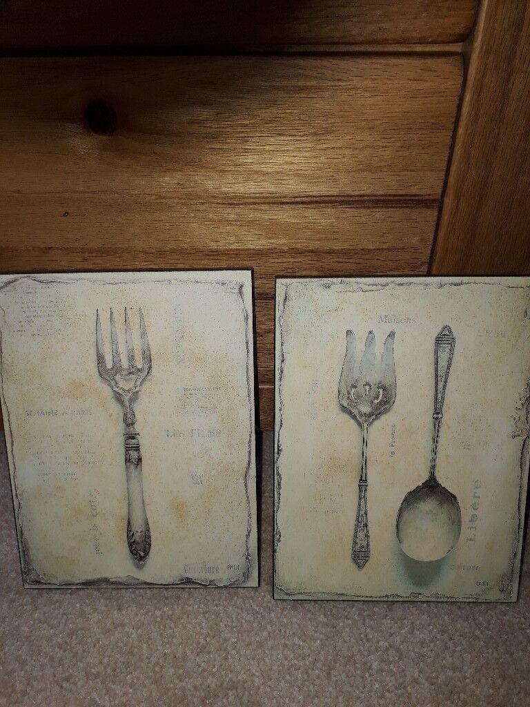 2 plaques