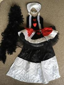 'Queen of Hearts' Dress Up