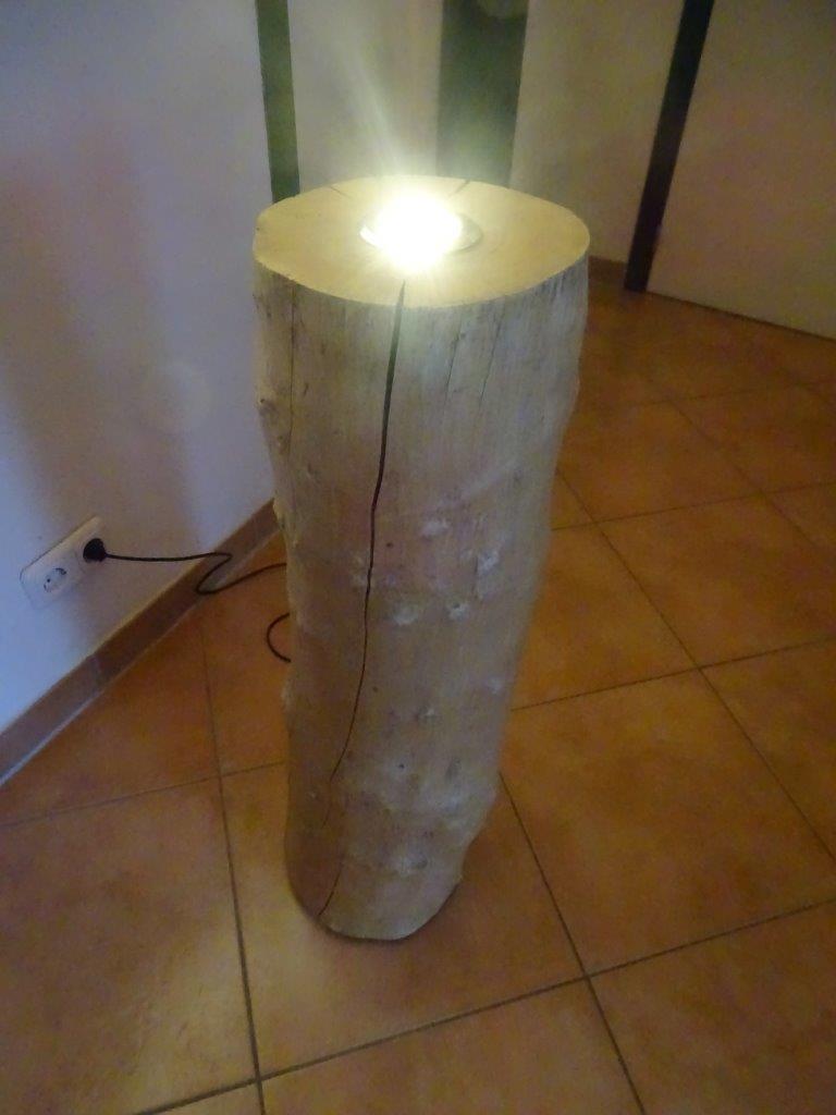 deckenfluter buche stehlampe baumstamm lampe stammholz led leuchte eur 125 00 picclick de. Black Bedroom Furniture Sets. Home Design Ideas