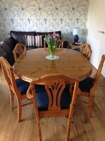 DUCAL dining Room table with butterfly mechanism to extend or reduce its size with 6 chairs
