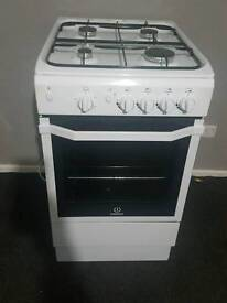 Indesit I5GG/UK gas cooker (3 weeks old with proof)