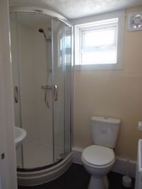 Newly refurbished house central Chatham, double bedrooms available with shared facilities and garden