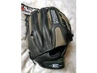 Easton Baseball Mitt (New)