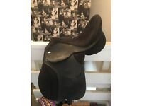 Black t4 saddle changeable gullet
