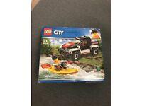 Lego city truck 60240 BNIB