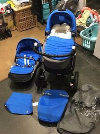 Ready to use from newborn, Britax Affinity cot and pram, foot muff and rain cover