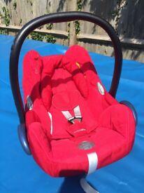 Maxi cosi car seat in red