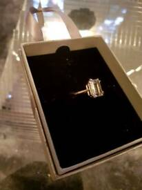 9ct Gold cluster ring size L/M