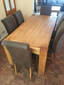 **PRICE REDUCED** Heavy Oak Table and 6 Chairs
