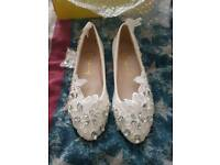wedding/ dress shoes size 4