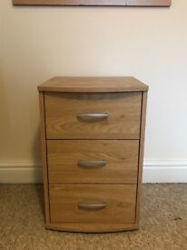 Match set of drawers and bedside table with mirror