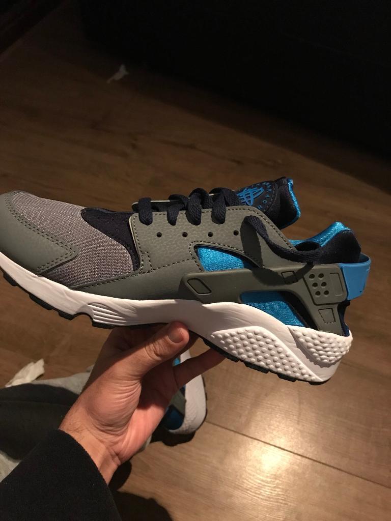 Brand New Nike Mens Huaraches