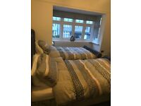£110 per week. Beautiful house share in Mossley Hill (all bills included)