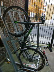 Practically new bike - Pinnacle Neon 1 - for sale. Only slightly used