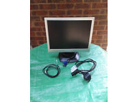 """15"""" Advent LCD Monitor with Stand F159 and inbuilt speakers FREE LOCAL DELIVERY"""