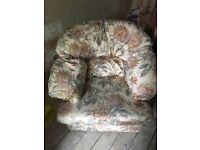 3 seater sofa and 2 armchairs free to good home