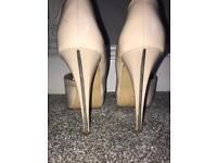Size 8 Carvella Nude Heels