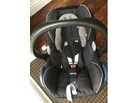 Maxi cosi baby car seat and isofix