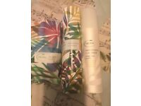 Tropic smoothing cleanser with bamboo cloth