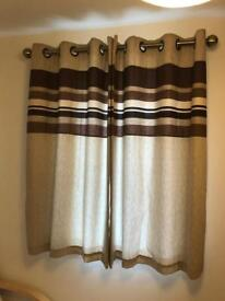 2 pairs of Fully lined curtains