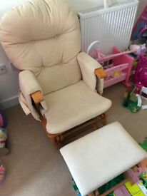 Rocking feeding chair and foot stool
