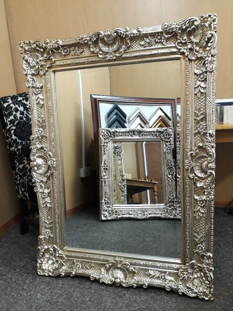 New stunning 4ft x 3ft silver guilted mirror
