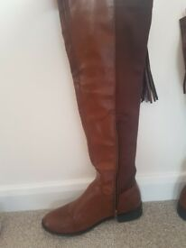 Ladies tan knee high boots size 6