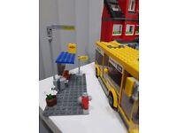 LEGO City Corner 7641 & bus & shops
