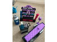 Monster high create a doll lab