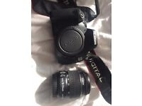 Canon 600D + 18-55mm lens + EXTRAS
