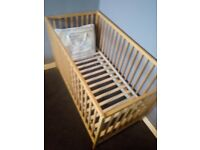 Cot and bumper set both never been used