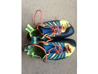 EDGE CLIMBING SHOES - SIZE 4