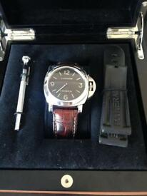 Gents panerai Luminor watch. Excellent condition. Boxed. Paperwork.