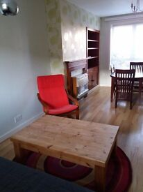 St Andrews: welcoming two bedroom furnished house, 10 minute walk from town centre